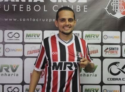 João Ananias é apresentado no Arruda: