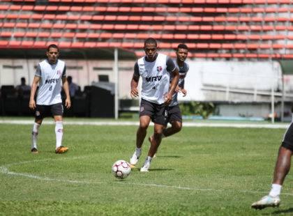 Wellington Cézar reencontra bom futebol em nova passagem de Martelotte