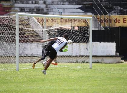 Santa Cruz retorna aos treinos e inicia preparação para enfrentar o Ceará