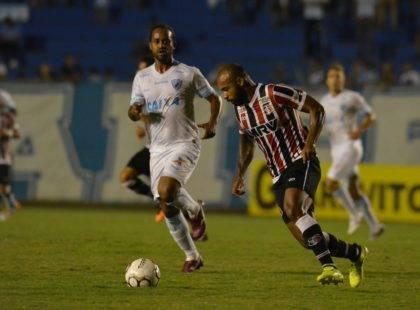Santa Cruz faz bom jogo, larga na frente e volta de Londrina com ponto somado