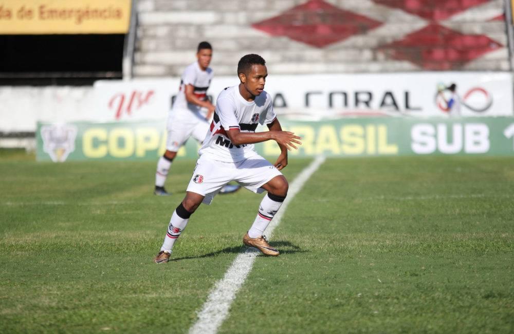 Sub-17 do Santa Cruz disputa semifinal estadual, após bela campanha