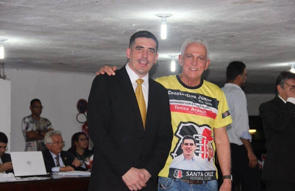 Constantino Júnior é eleito presidente do Santa Cruz