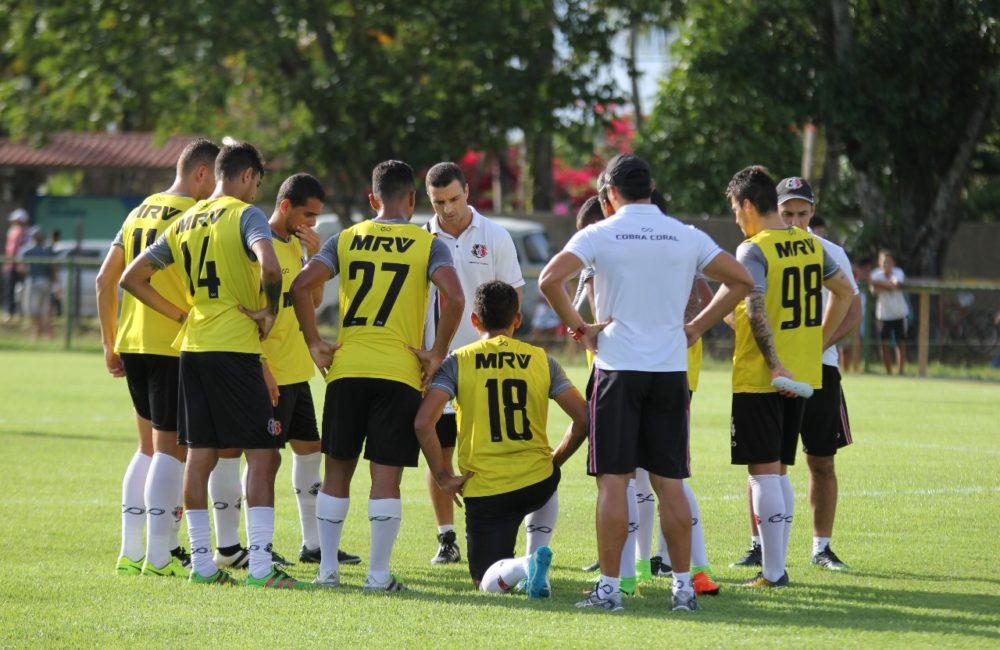 Júnior Rocha fala sobre jogo-treino, trabalho com o grupo e já projeta estreia