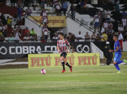 Após bom início, Arthur Rezende destaca que pode ajudar ainda mais
