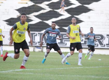 Santa Cruz encerra preparativos para enfrentar o Atlético/AC