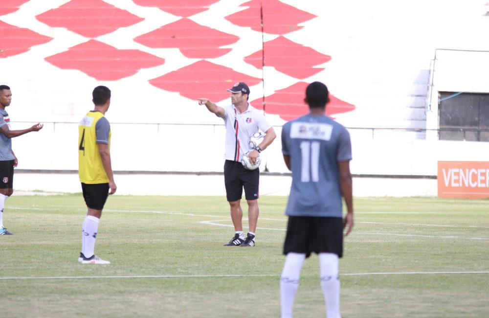 Júnior Rocha fala sobre time titular e expectativa para estreia na Série C