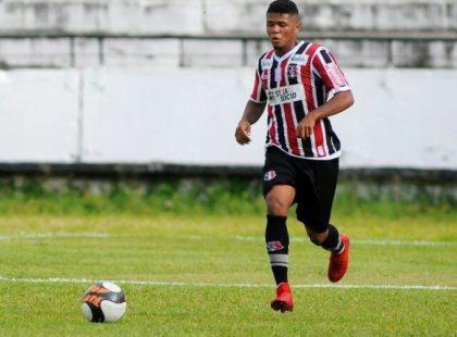 Inspirado em Raniel, Paulo Victor espera temporada de gols pelo profissional
