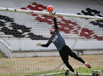 Elogiado, Ricardo Ernesto comemora atuação e já foca no próximo jogo