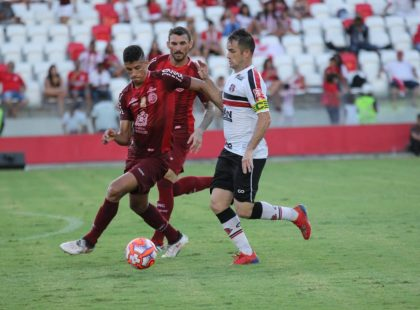 Pernambucano: Santa Cruz e Náutico empatam sem gols nos Aflitos