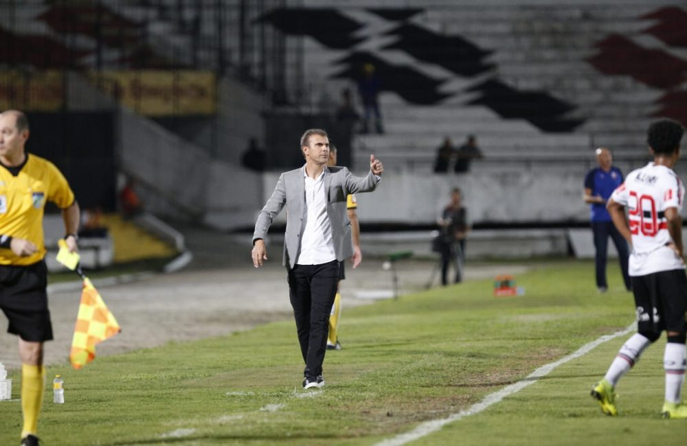 Série C: Santa Cruz perde a primeira sob o comando de Milton Mendes