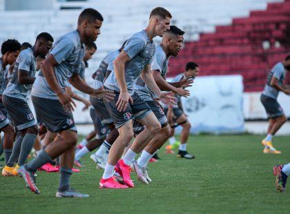 Santa Cruz finaliza treino para enfrentar o Central em Caruaru
