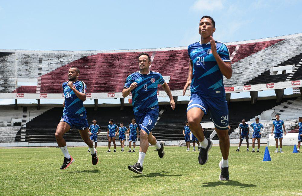 Elenco do Santa Cruz se reapresenta, de olho na Eliminatória da Copa do Nordeste