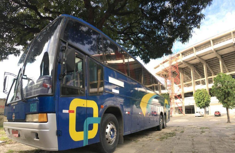"""Novo ônibus da base: """"Expresso Coral Renato Luna"""""""