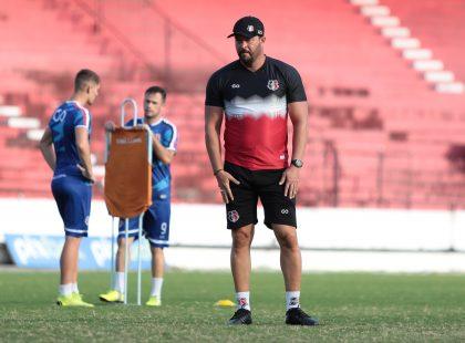 Santa Cruz treina no Arruda e viaja para enfrentar o Tombense